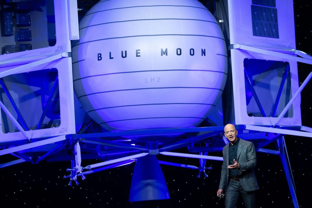 Джефф Безос предлагает NASA скидку в 2 миллиарда долларов, если Blue Origin получит контракт на лунный модуль