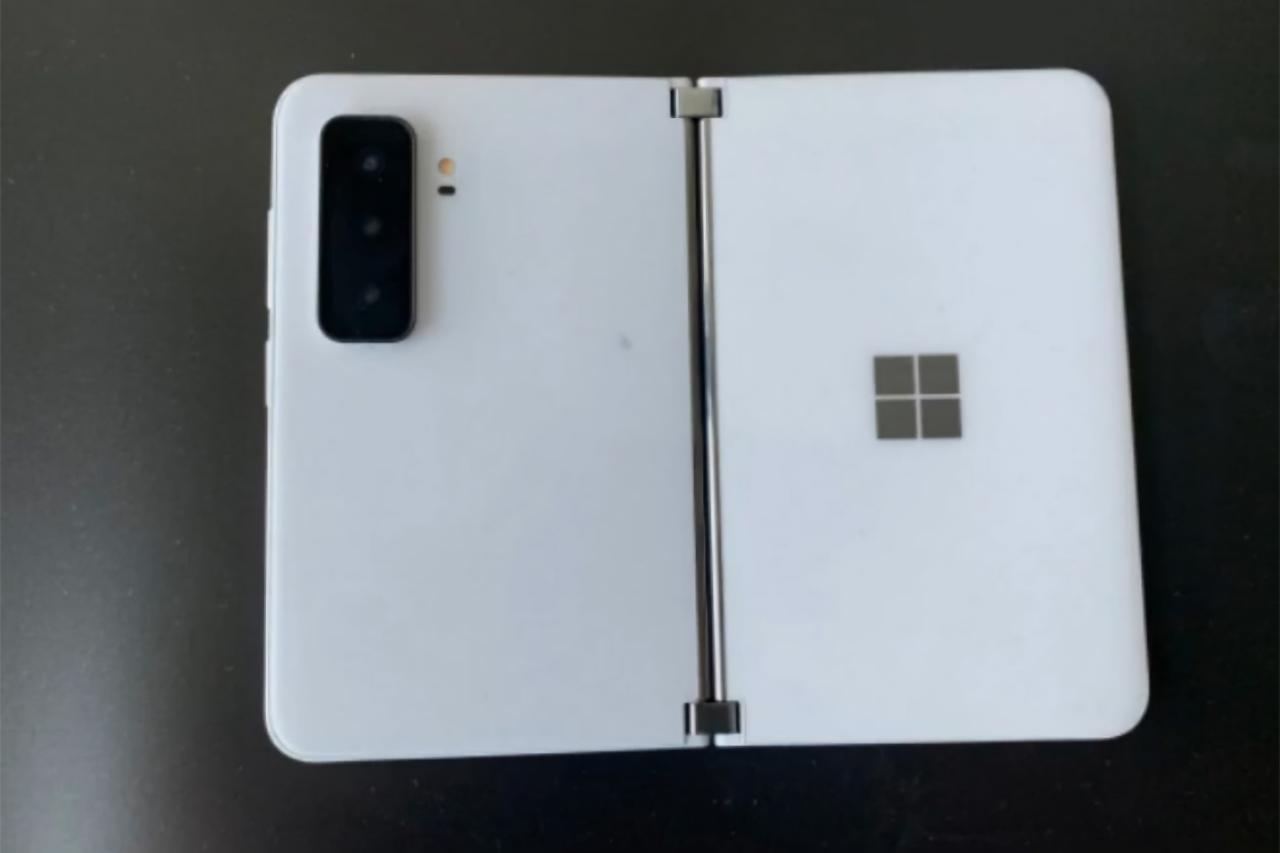 Прототип складного смартфона Microsoft Surface Duo 2 появился на живых фотографиях
