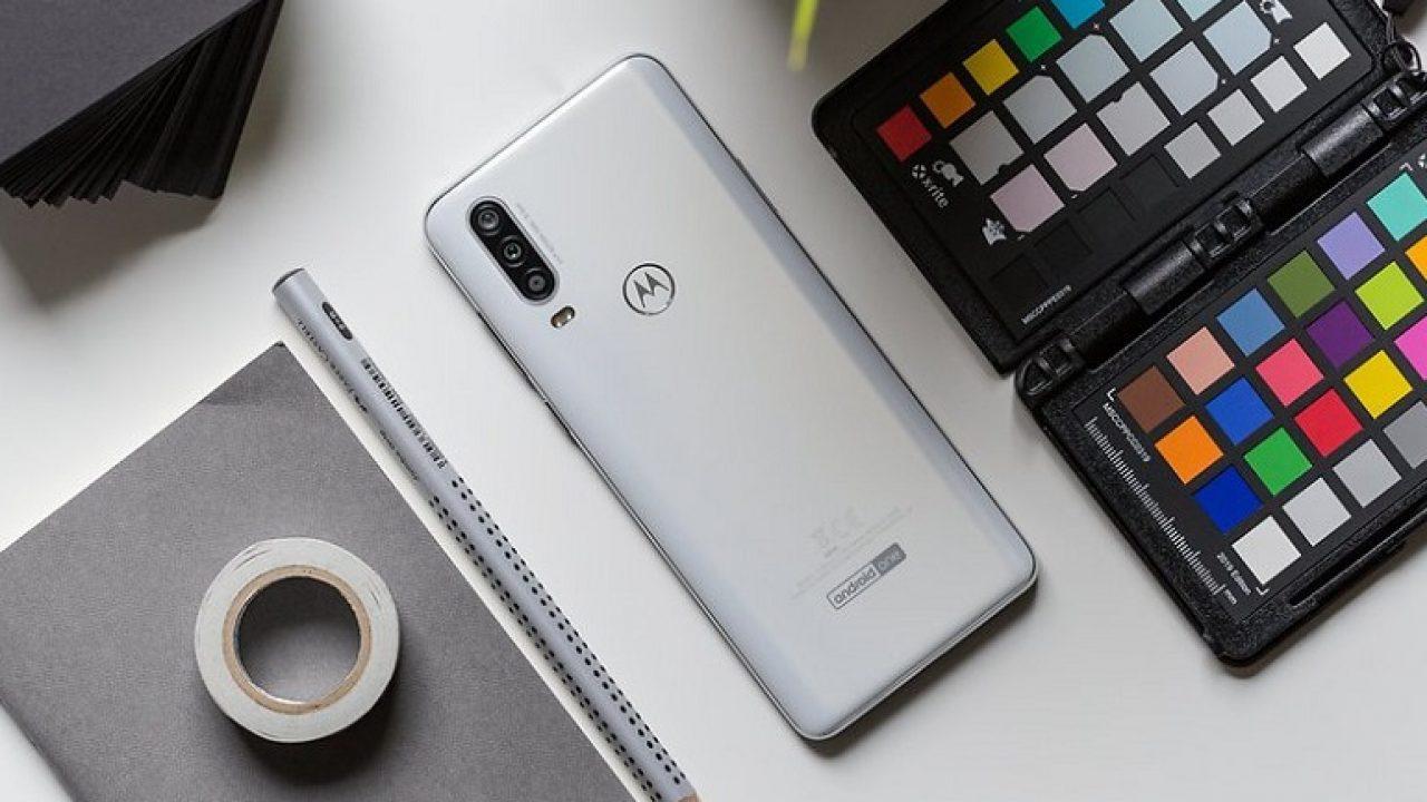 Motorola One Action с экраном 21:9 исверхширокоугольной камерой представлен официально