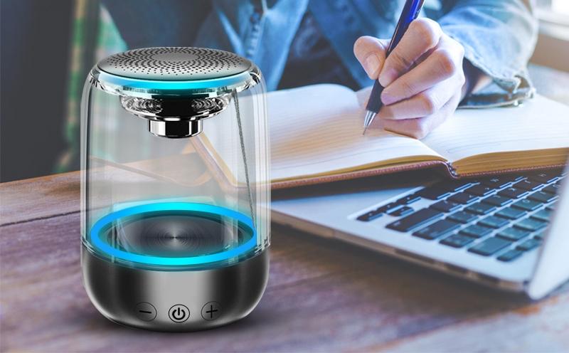 Беспроводная цветомузыкальная колонка NBY C7 с прозрачным корпусом и Bluetooth 5.0 за $12