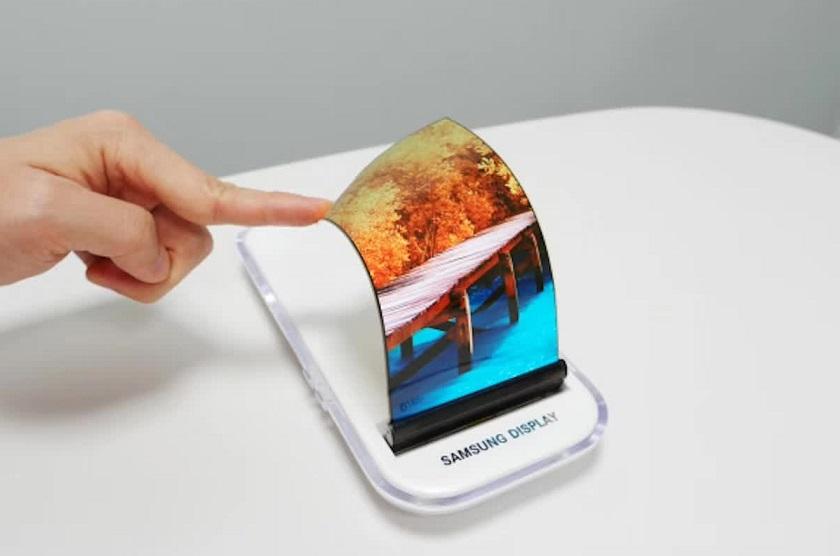 Samsung займется производством гибких экранов для смартфонов