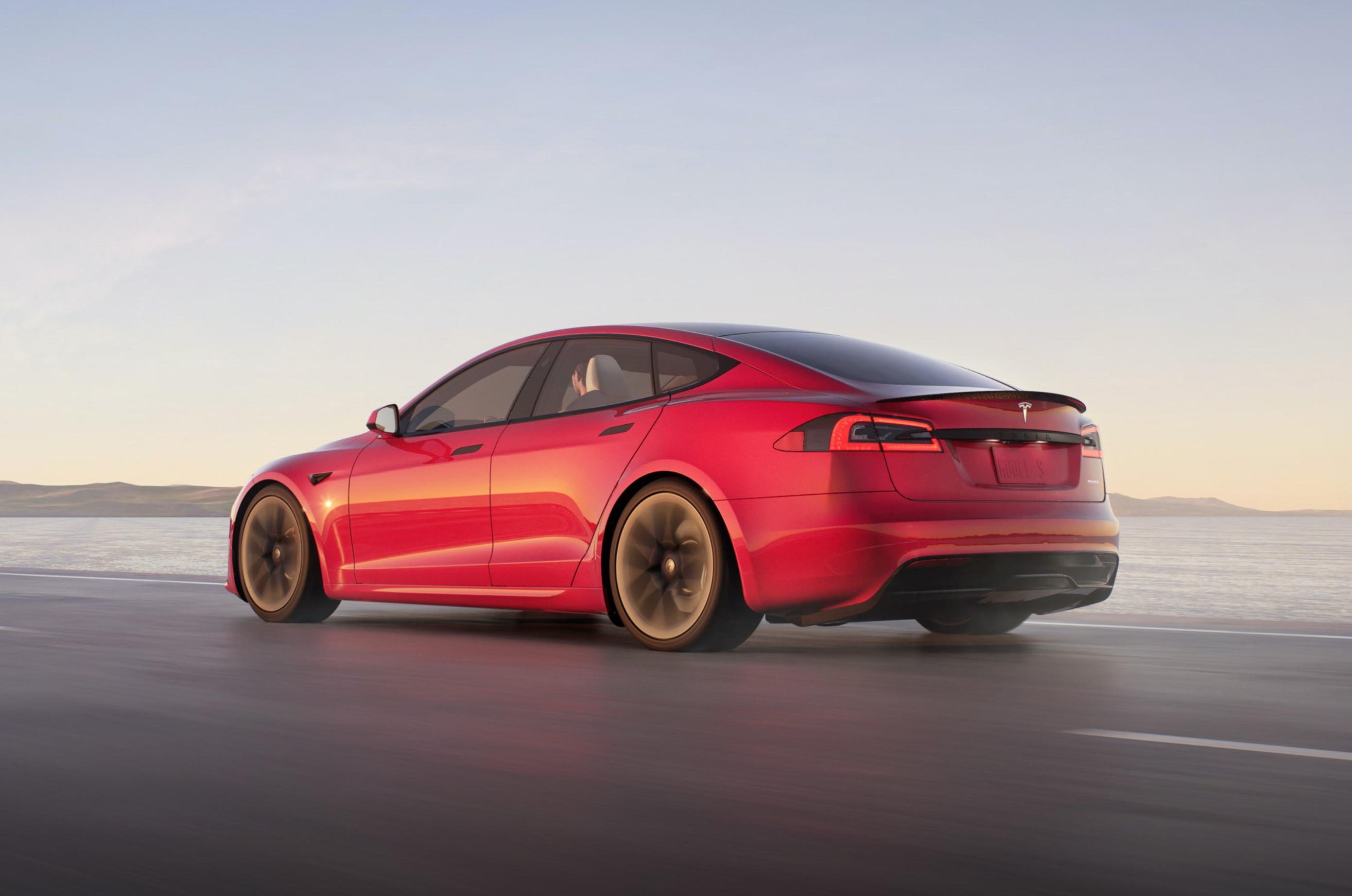 Илон Маск отменил выход Tesla Model S Plaid с запасом хода более 837 км и двигателем на 1100 л.с.