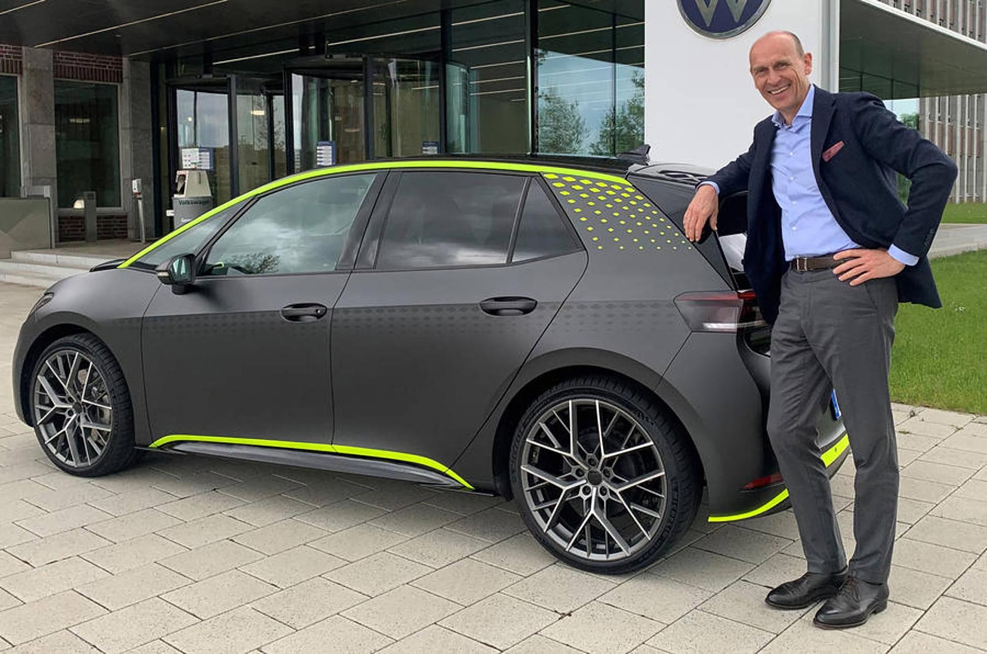 Volkswagen представила ID.X: заряженная версия электрокара ID.3 с полным приводом, разгоном до сотни за 5.3 сек и режимом для дрифта, как у Golf R