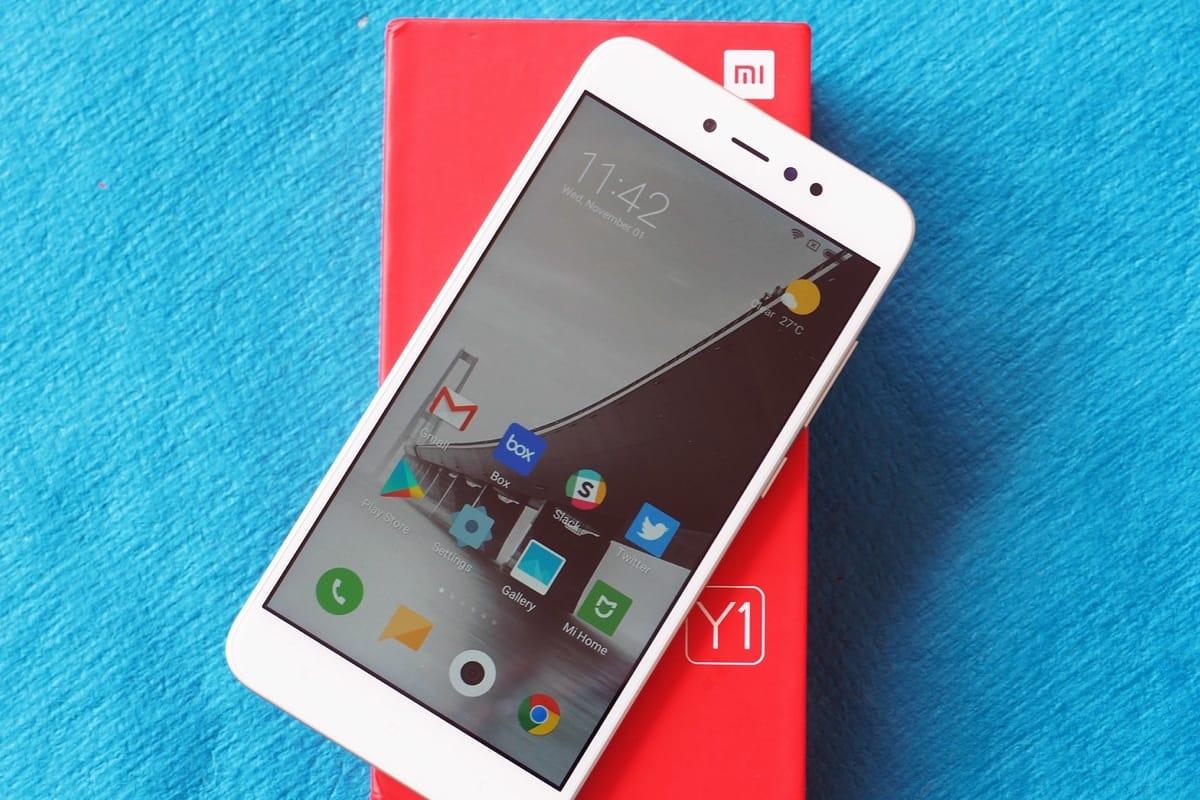 Xiaomi распродала более 150 тысяч Redmi Y1 иRedmi Y1 Lite за3минуты