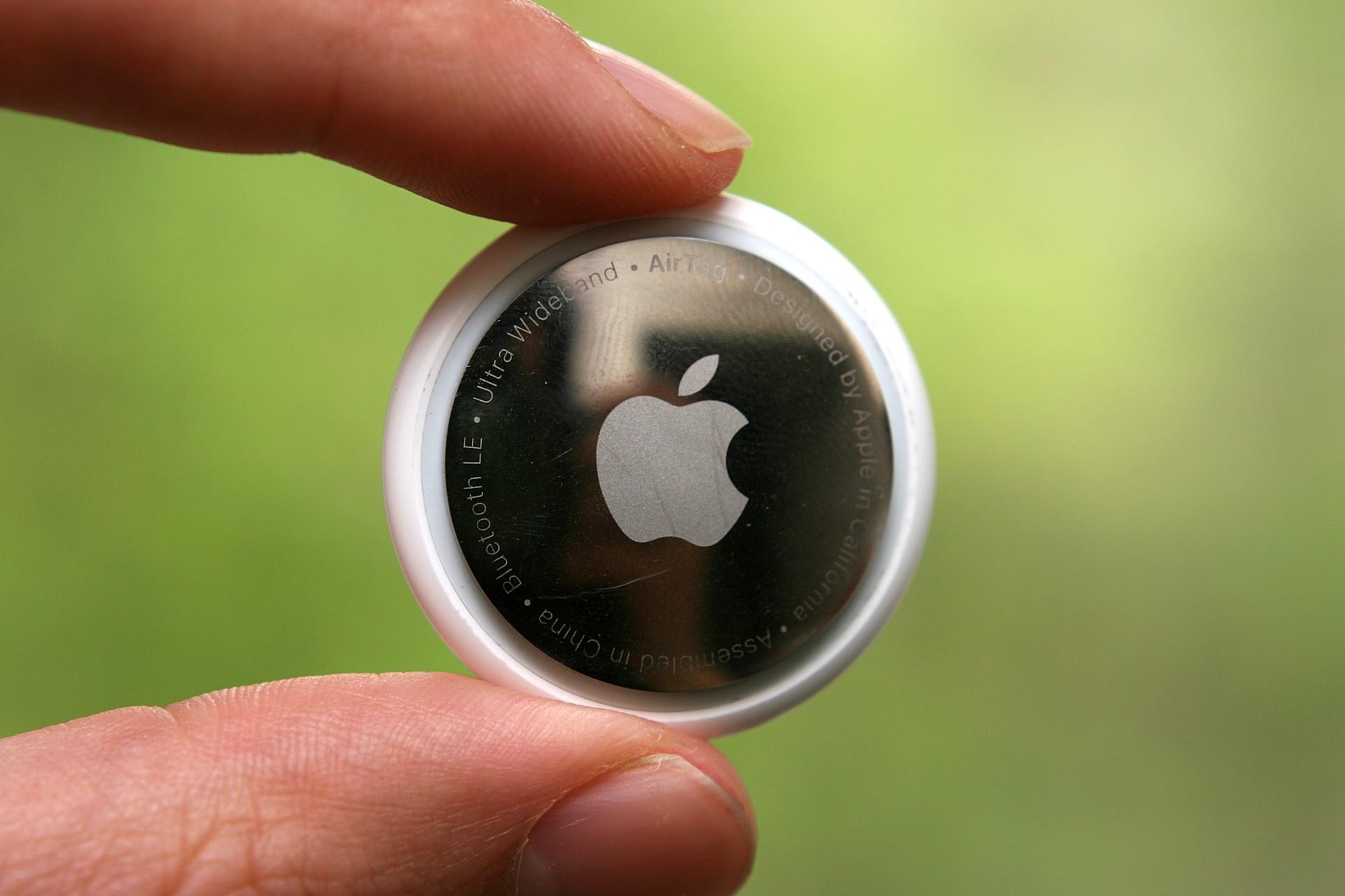 Обзор Apple AirTag: белая метка фетишиста