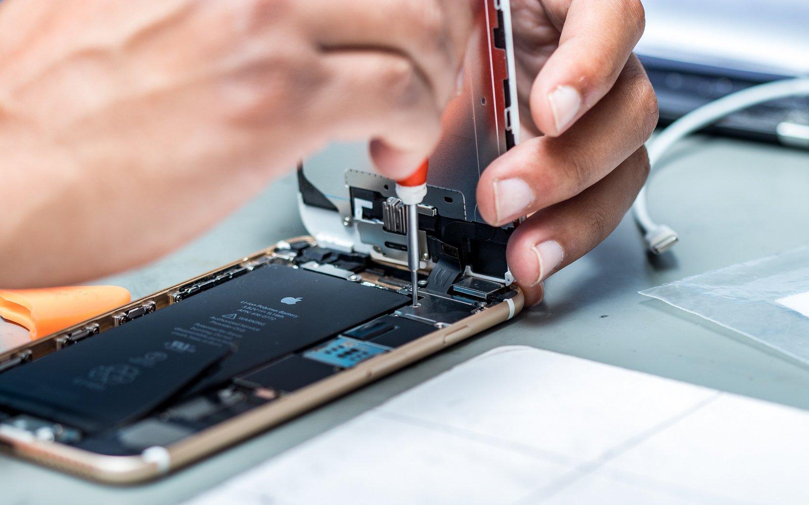 Управляющий Самсунг займется созданием аккумулятора для iPhone
