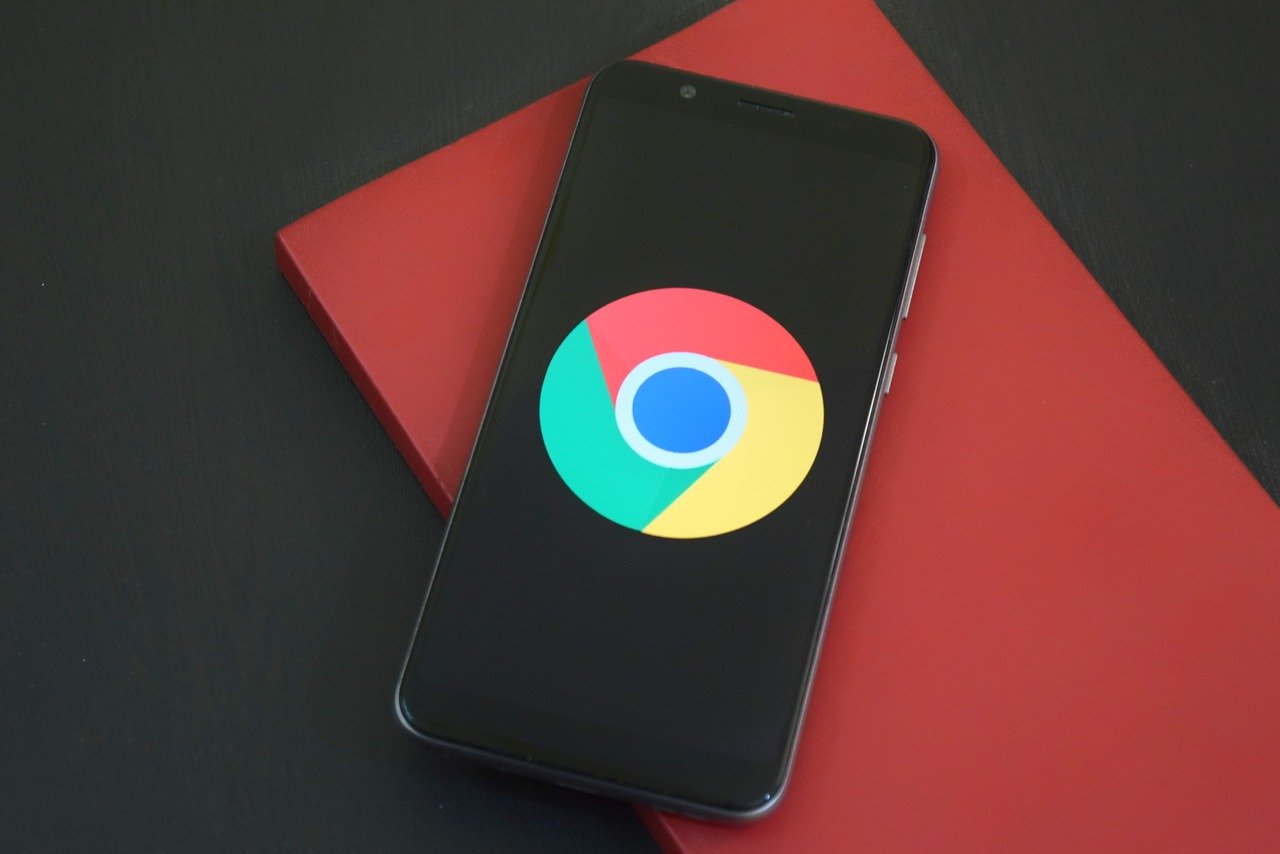 Google Chrome на Android 12 позволит делать скриншоты всей страницы
