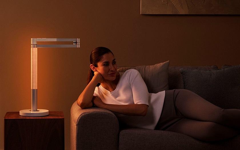 Dyson представила лампу за $650, которая имитирует свечу