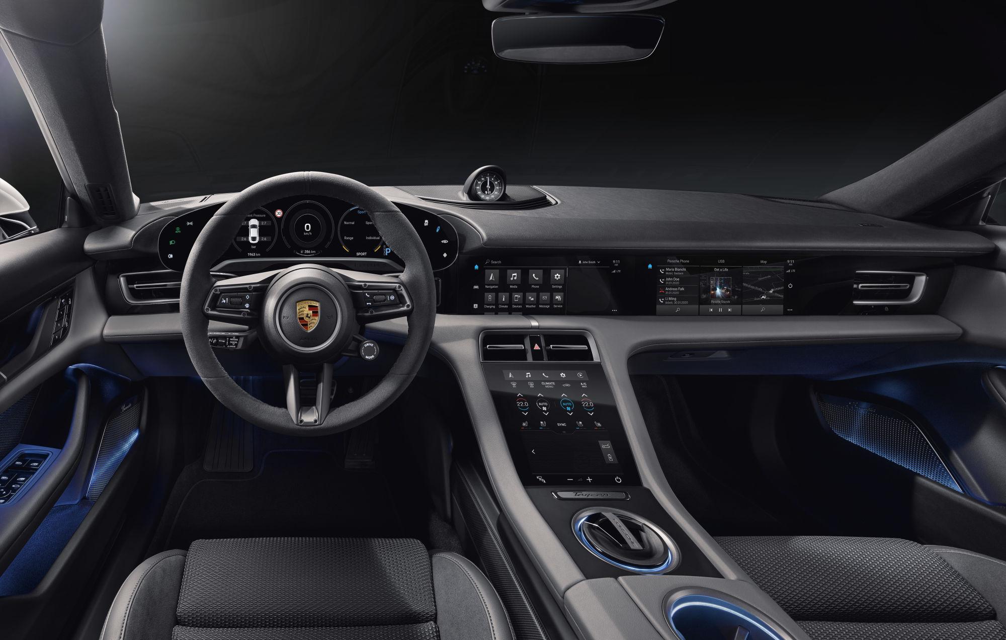 Конкурент Tesla: в Porsche Taycan будет 4 экрана