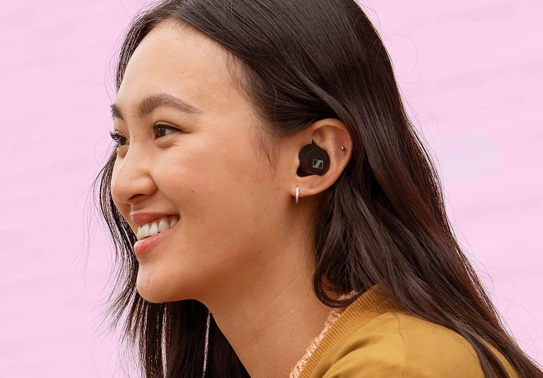 Sennheiser анонсировала свои самые дешёвые TWS-наушники с активным подавлением шумов