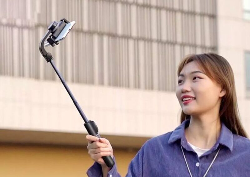 Xiaomi Yuemi представила селфи-палку со стабилизатором и встроенным процессором