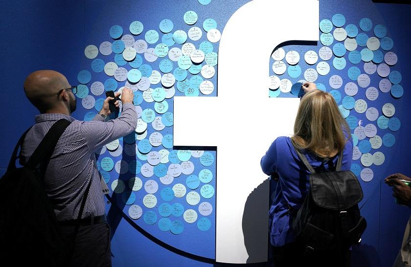 Facebook выпустит инструмент, позволяющий переносить файлы из социальных сетей в Google Photos
