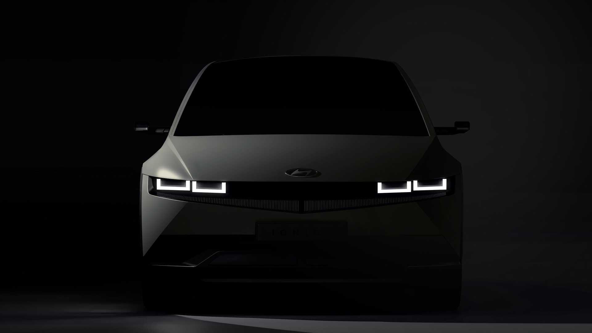 Hyundai показала тизеры электрического кроссовера IONIQ 5 с угловатым дизайном и сверхбыстрой зарядкой