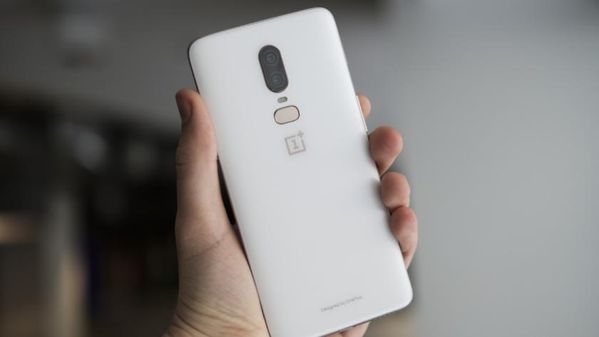 Ограниченную версию OnePlus 6 Silk White раскупили за один день