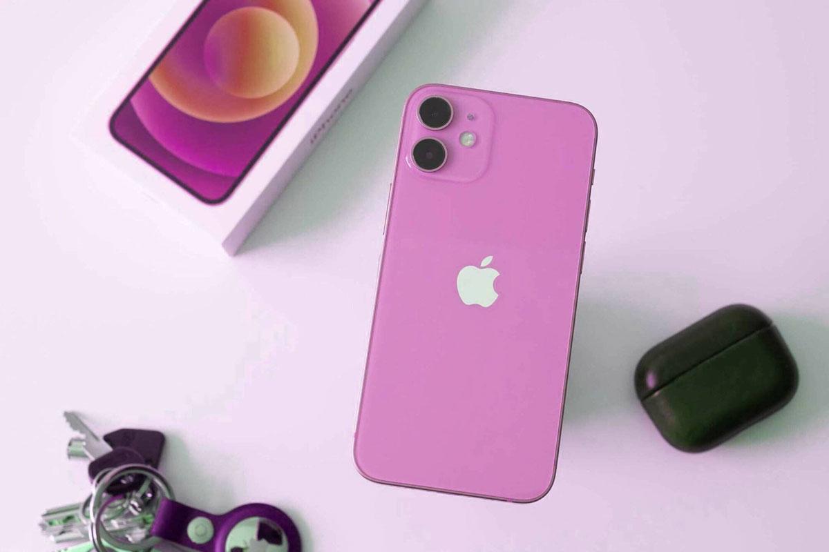 Хит продаж: новые iPhone 13 в розовом и синем цветах раскупили за считанные минуты