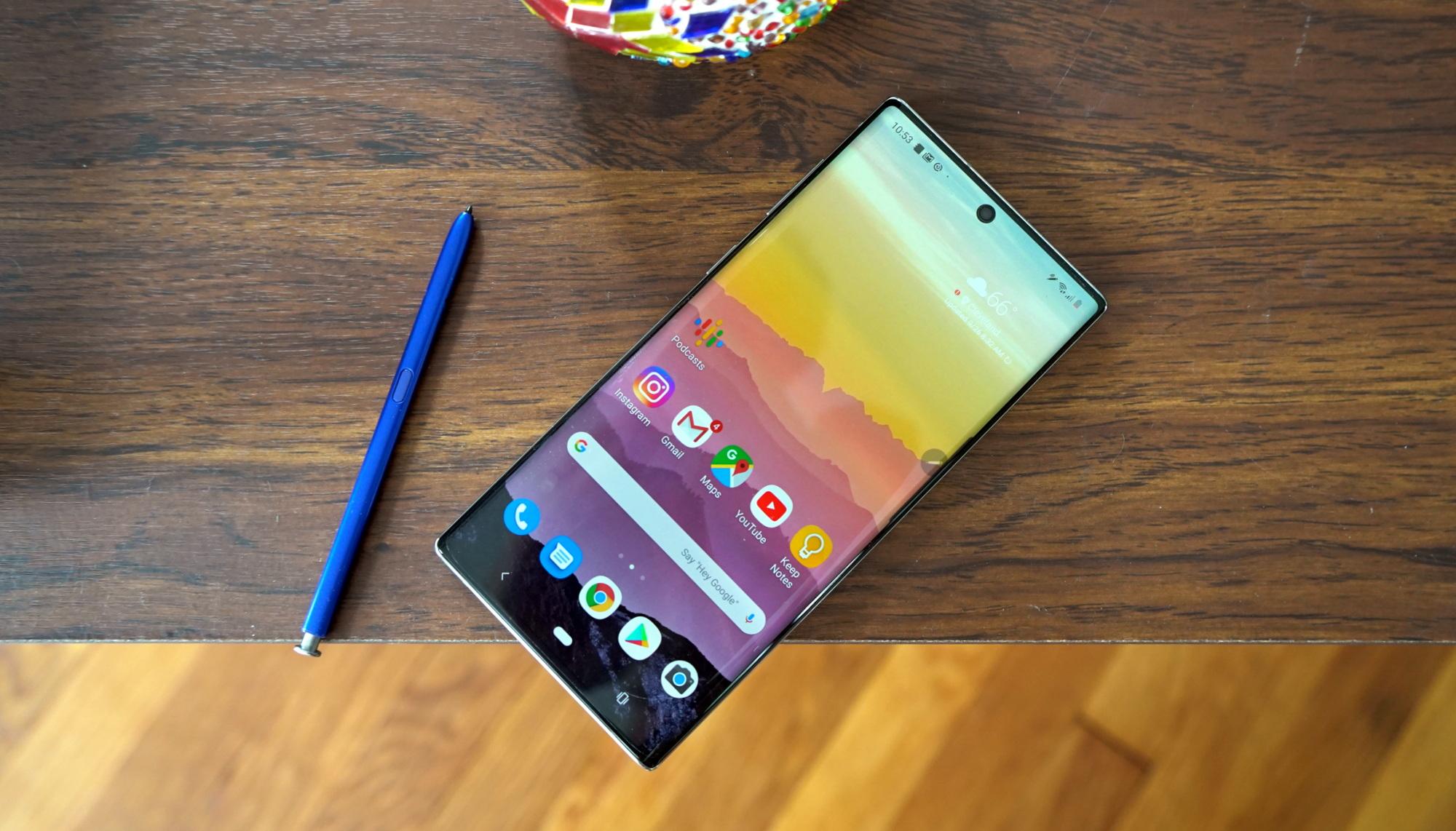 Со смартфонами Samsung Galaxy Note 10 начались проблемы после очередного обновления