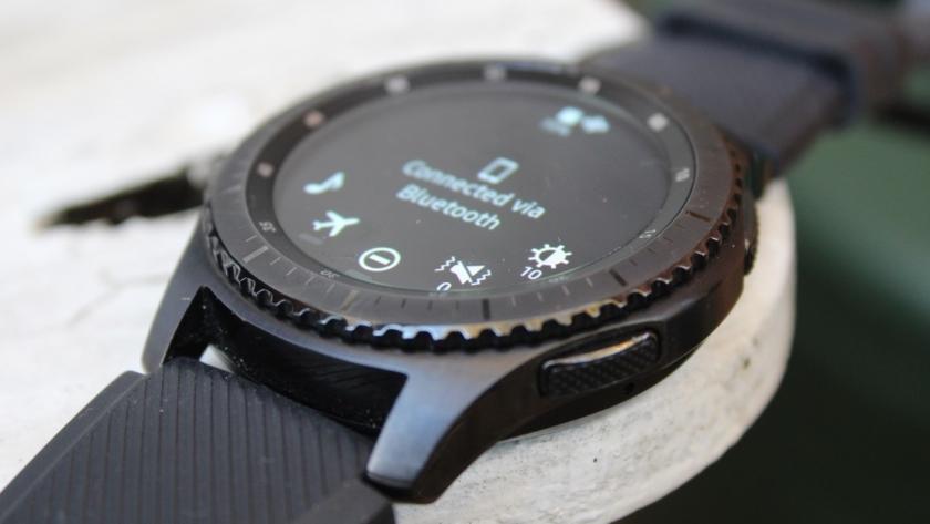 «Умные» часы Samsung Gear S3 получили обновление системы
