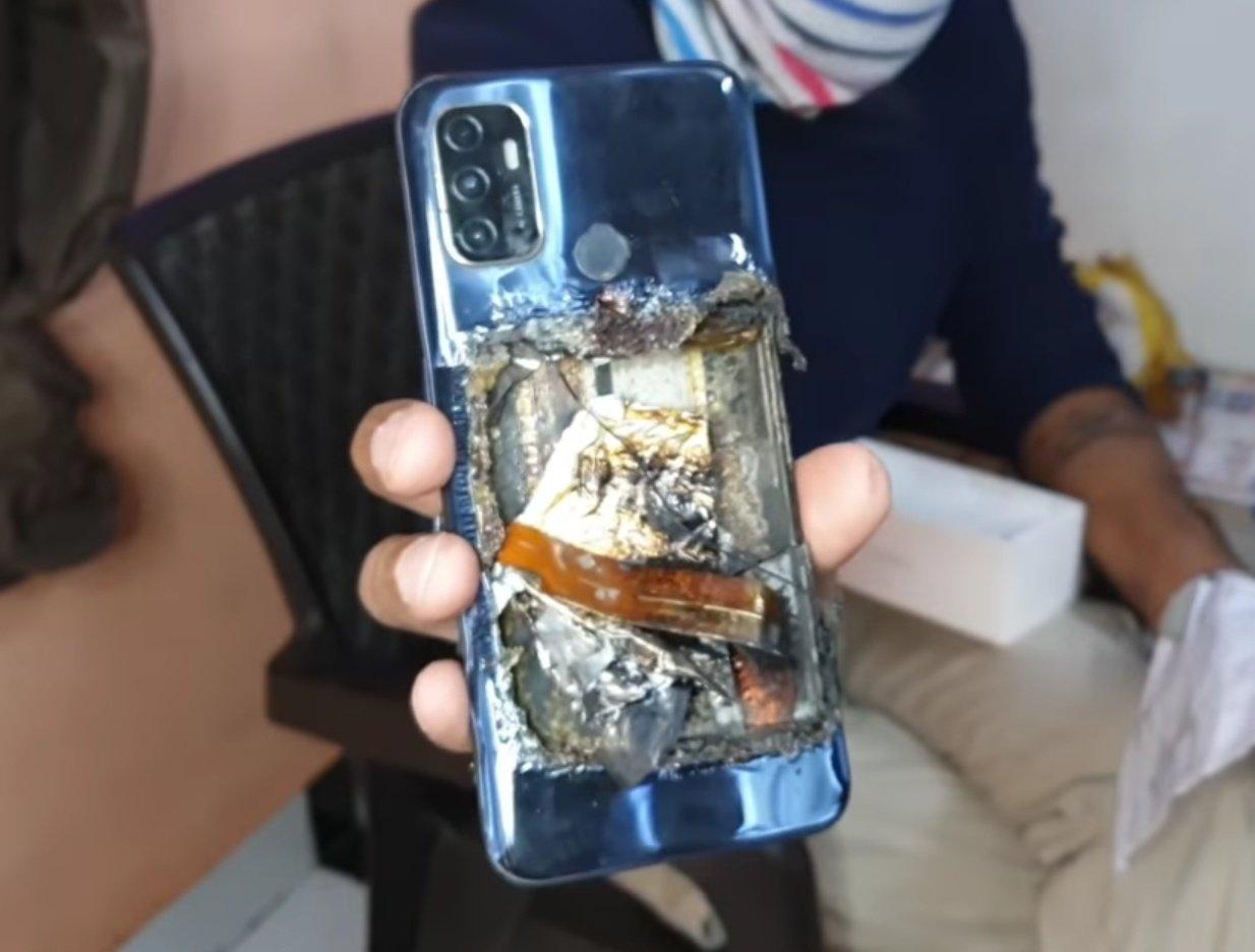 Смартфон OPPO A53 взорвался прямо в кармане владельца: у мужчины травмы, от гаджета остался обгоревший корпус