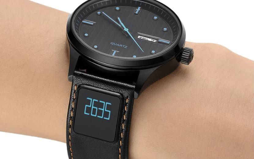 Ремешок strapSWAP превращает обычные часы в «умные»
