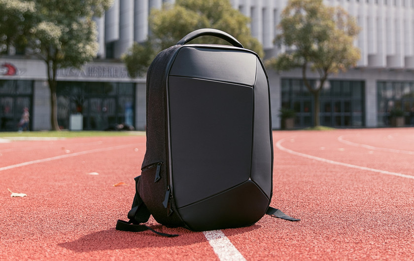 Рюкзак гика Xiaomi Mi Geek Shoulder Bag оценили в $64