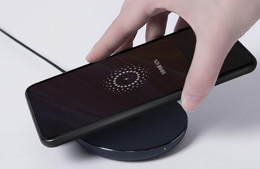 Xiaomi Mi Wireless Charger: универсальная беспроводная зарядка за $10