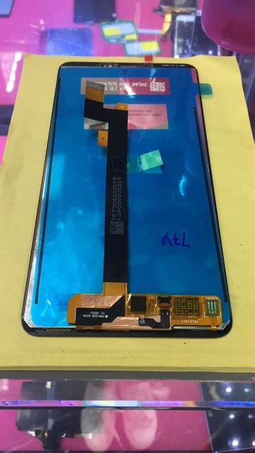Mi-Max-3-LCD-panel-photo-leaks-2.jpg
