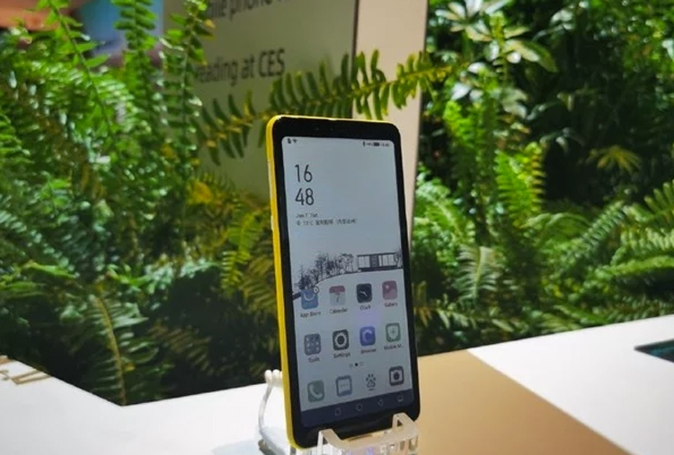 На CES 2020 представили первый цветной смартфон с дисплеем E Ink