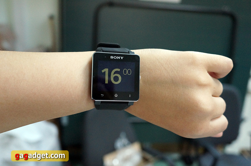 Характеристики Смарт-часы Sony SmartWatch 2 черный