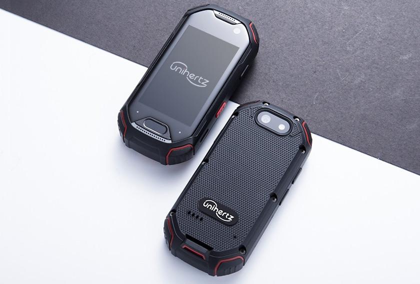Unihertz Atom: самый маленький защищённый смартфон в мире