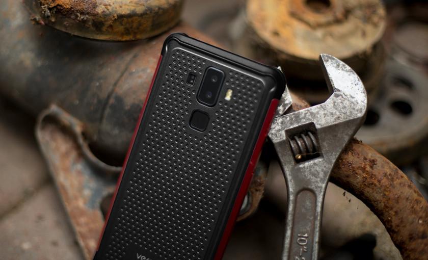 Полноэкранный смартфон Vernee V2 Pro работает долго, воды не боится-2