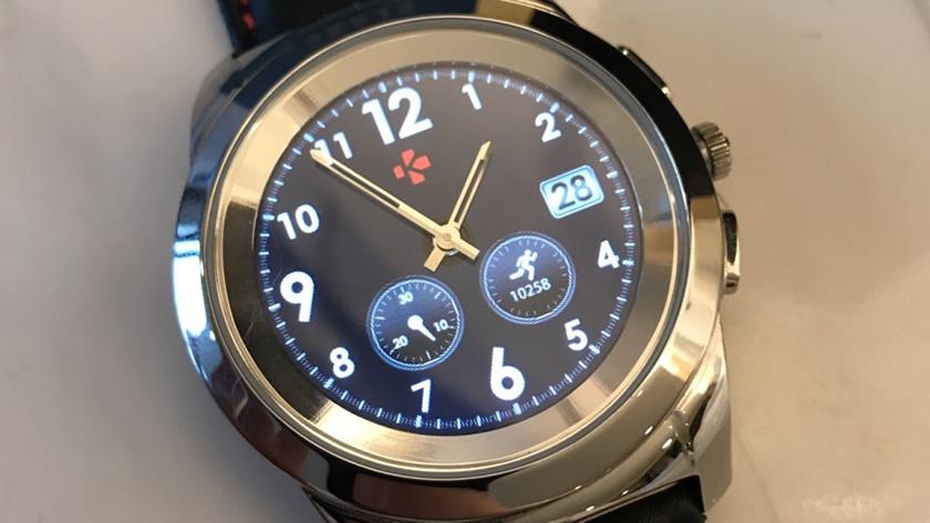 zetime-smartwatch-with-mechanical-mechanism-2.jpg